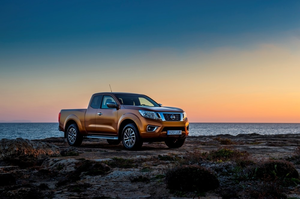 AWARD-WINNING: ALL-NEW NISSAN NP300 NAVARA WINS INTERNATIONAL PICK-UP OF THE YEAR CROWN IN EUROPE