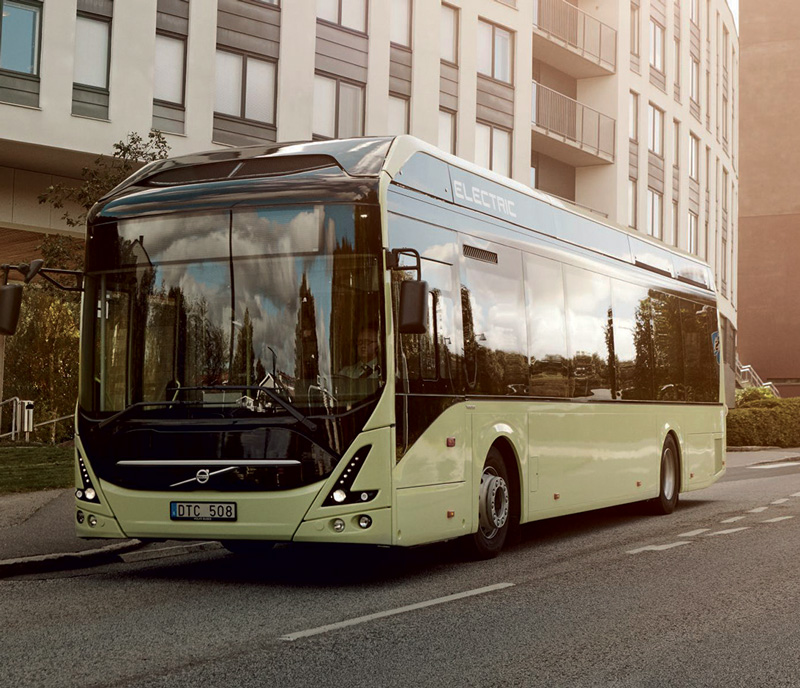 The Volvo 7900 Electric bus on Route 55 in Gothenberg.