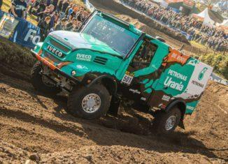 De rooy dakar team driving 2