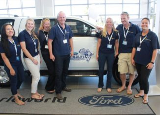 the-ford-wildlife-foundation-welcomes-the-sea-search-project-scientists-and-students-from-sea-search-received-a-ford-ranger-to-support-two-major-maritime-conservation-projects_880x500