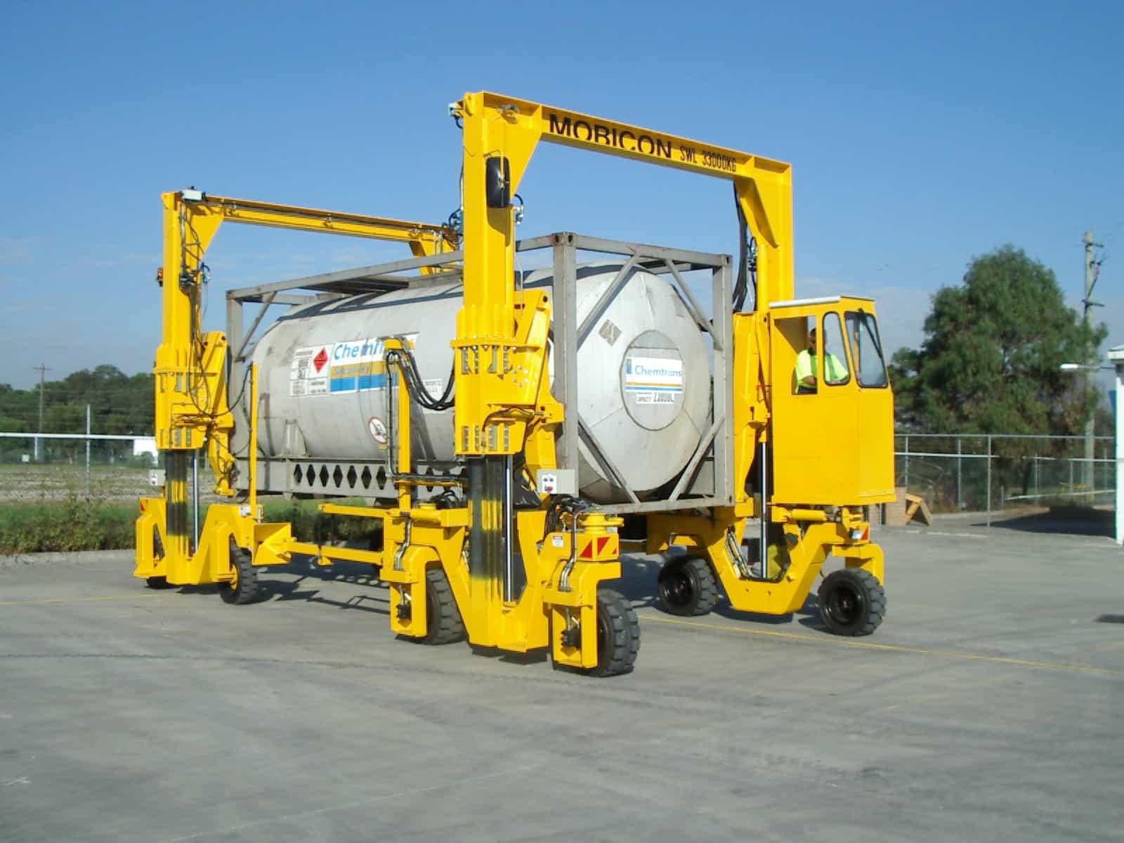 BLTWORLD - Mobicon mobile container handler