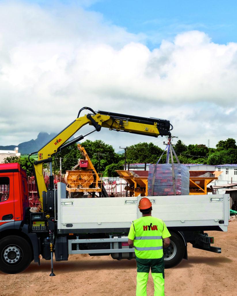 Hyva adds 11 tm family to new EDGE Line cranes