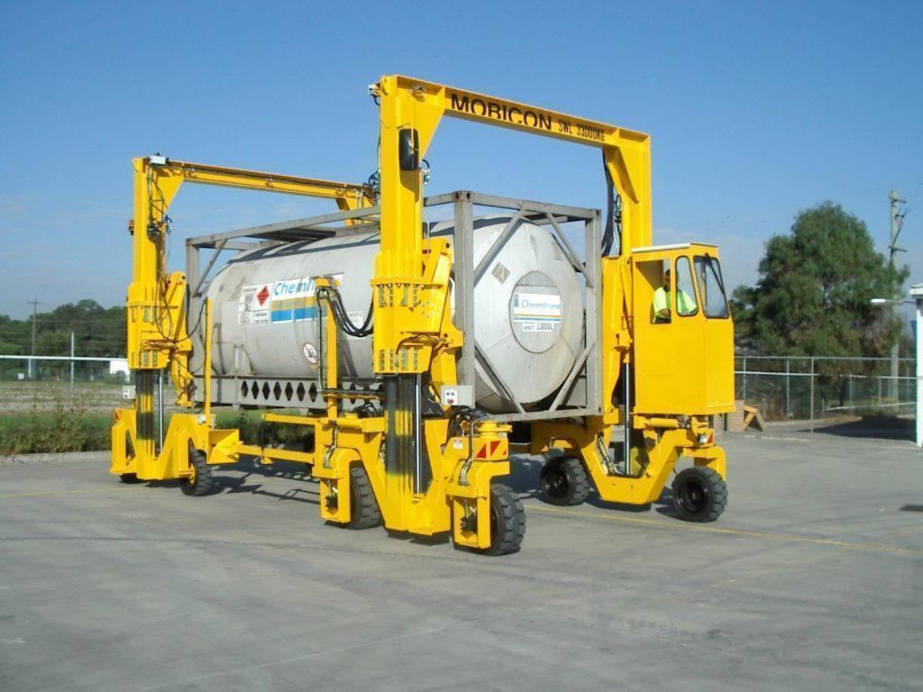 BLT WORLD - Mobicon mobile container handler - safe handling of hazardous materials