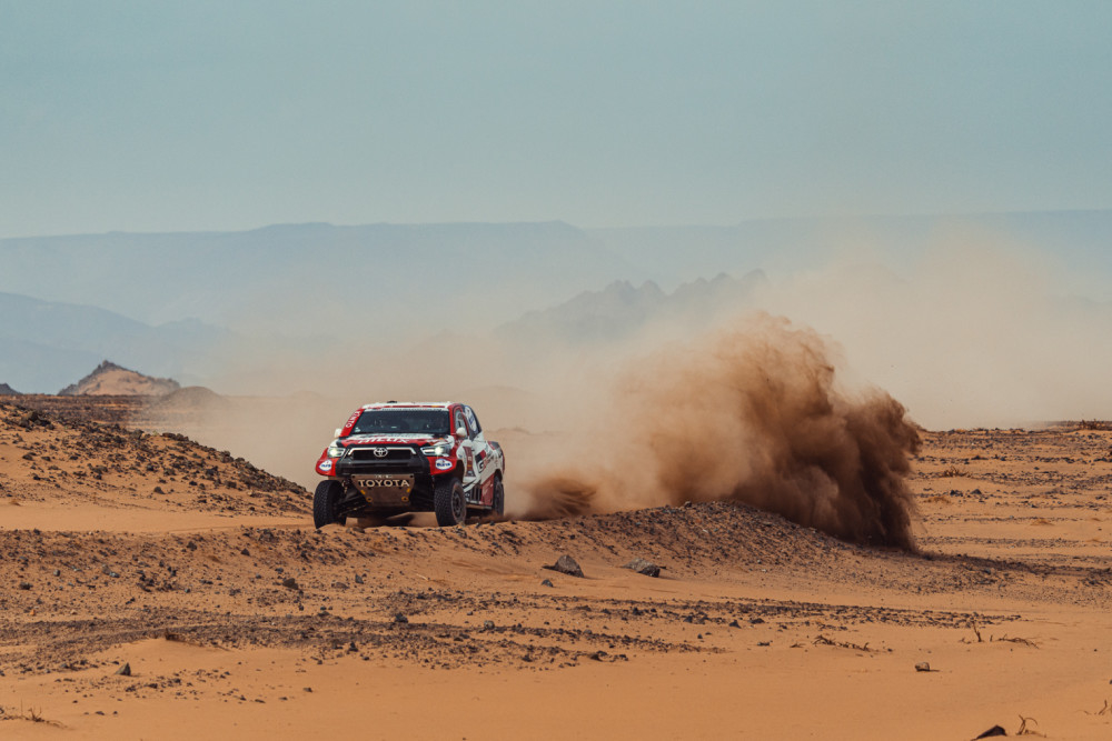 TOYOTA GAZOO RACING CONTINUES TO FIGHT AT DAKAR WITH WIN ON STAGE 11