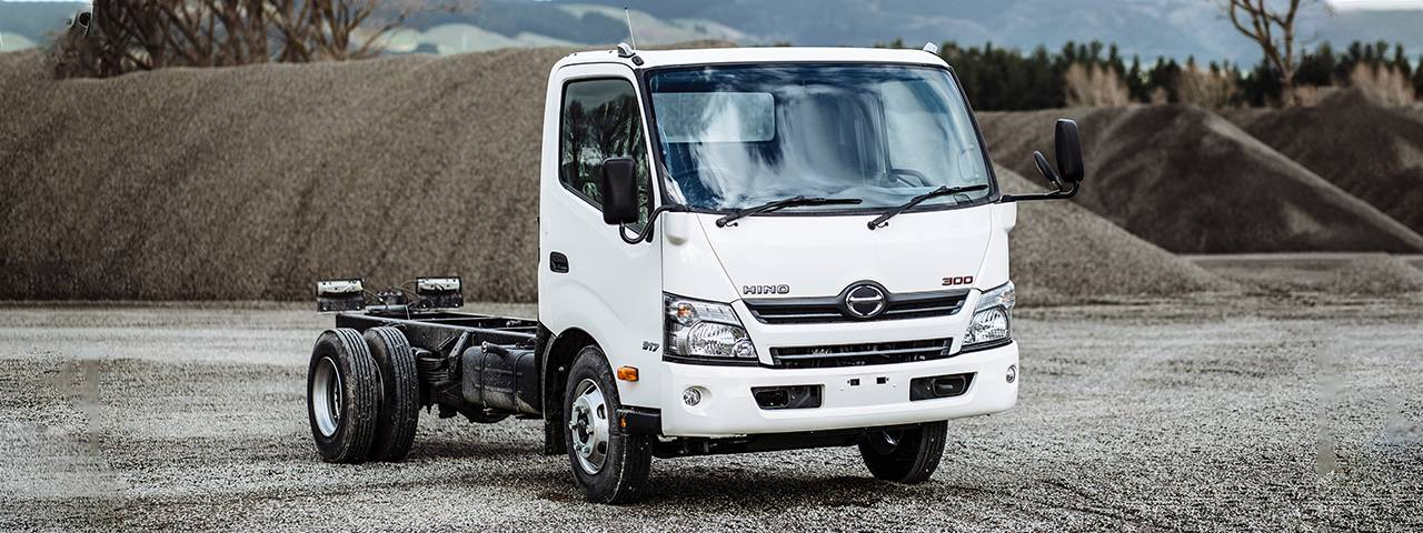 HINO REFRESHES APPEARANCE AND ADDS FEATURES TO POPULAR 300-SERIES MEDIUM TRUCK RANGE