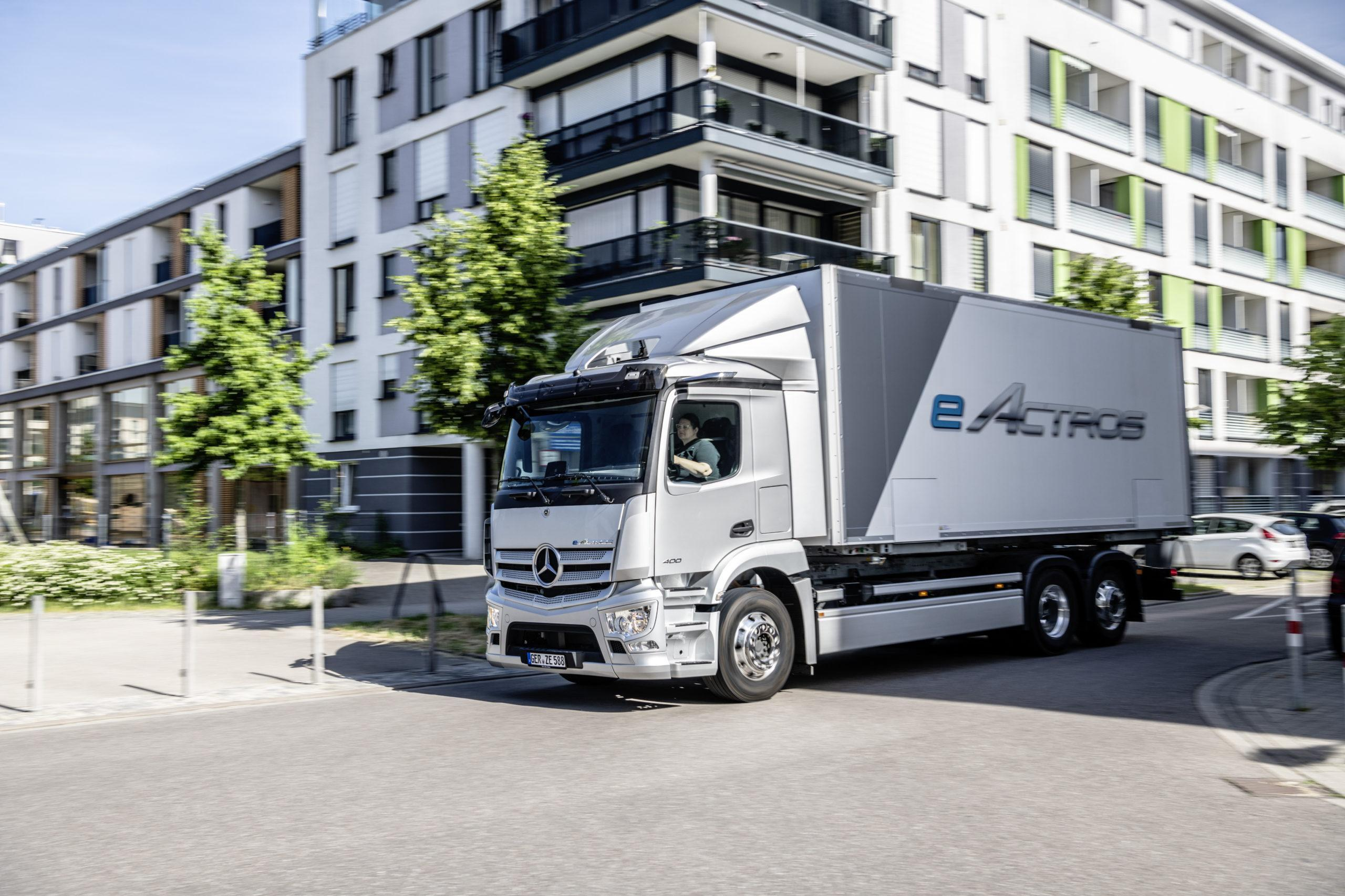 A new truck for a new era: Mercedes-Benz eActros celebrates its world premiere!